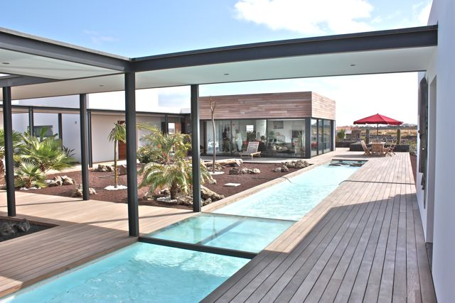 Large modern finca with pool near cotillo on fuerteventura for Pool design ventura